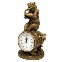 Медведь с добычей